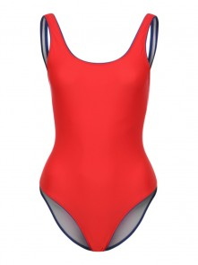 Swimming Suit di Champion in vendita da Cloverfield Store