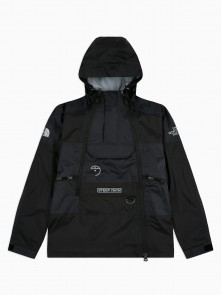 Steep Tech Light Rain Jacket di The North Face in vendita da Cloverfield Store